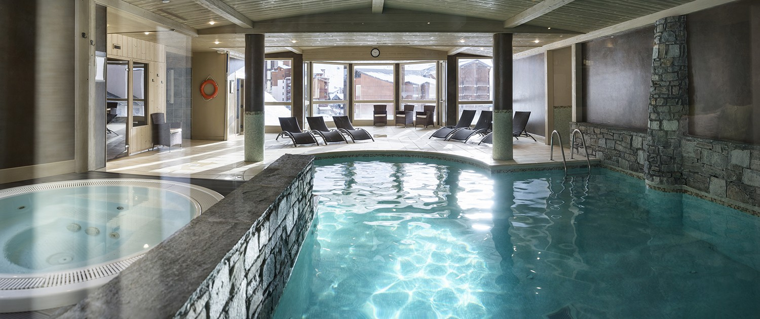 L oxalys piscine spa et espace d tente val thorens for Piscine val thorens